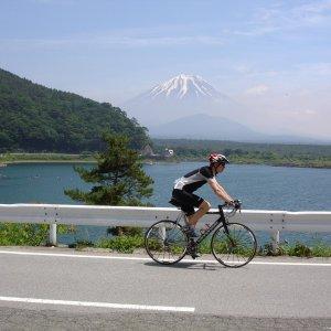 AW rolling past Fuji-san
