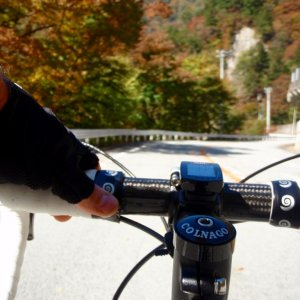 Cruising to Yanagisawa-toge on a fine autumn day