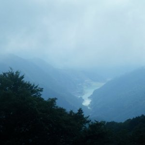 Lake Naguri seen from Arima-toge