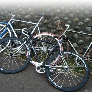 Invasion of fixies this year at Sekidobashi Flea Market ... very cool !!
