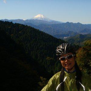Naomi-san with Mt. Fuji