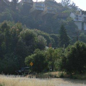 Houses on stilts - earthquake proof?
