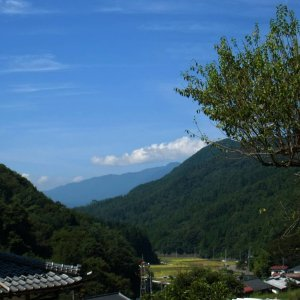 View near the bottom of Suzugane-toge (R35-up)