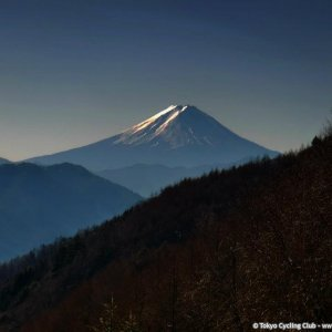 "sunlight hitting icy flanks of ""fujiyama""..."